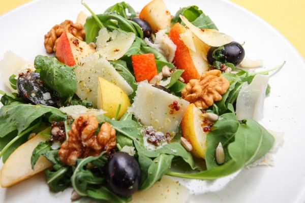 Pear salad with walnuts and grapes