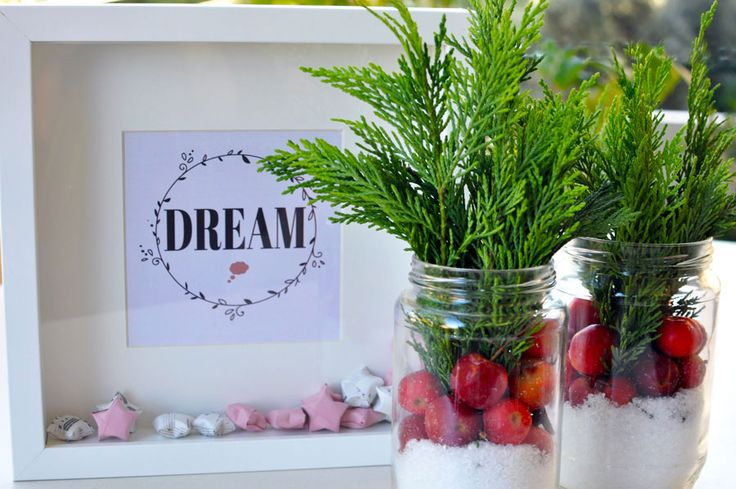 DREAM frame with origami stars