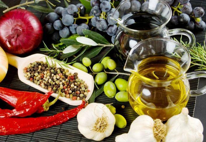 CLIQUE AQUI! Dieta mediterrânea: um plano de alimentação saudável para o coração A dieta mediterrânica saudável para o coração é um plano de alimentação saudável baseada em alimentos e receitas de culinária em estilo mediterrâneo típico. http://saudenocorpo.com/dieta-mediterranea-um-plano-de-alimentacao-saudavel-para-o-coracao/