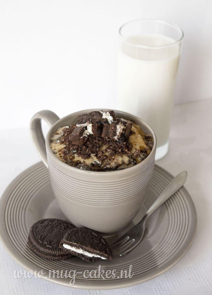 Leren hoe je een mug-cake (cake in mok) met Oreo maakt? Bekijk hier het recept en maak binnen enkele minuten in de magnetron een mug-cake Oreo!