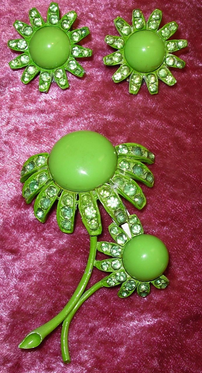 Vintage Green Weiss Flower Pin and Earrings