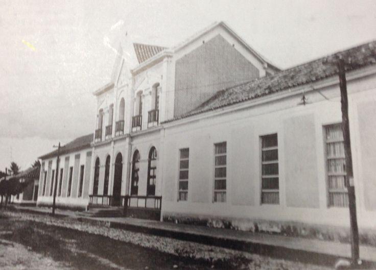 HOSPITAL SAN JUAN DE DIOS,el cual fue totalmente destruido en el terremoto de 1875 y reconstruido en 1877