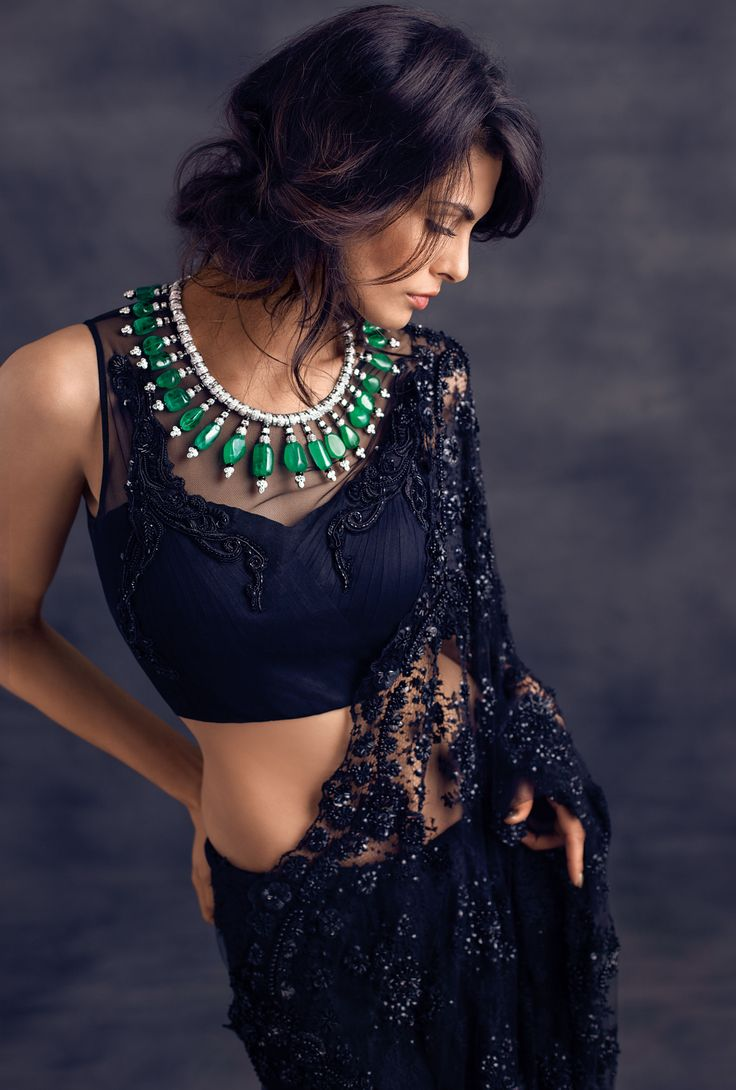 Loving this simple sari and blouse paired with bold statement jewelry  Image: Aneev Rao/Vogue