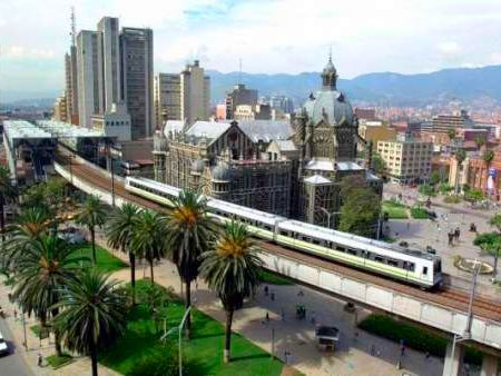 Medellin, Colombia,la ciudad mas hermosa de Colombia www.HotelTravelVacation.com