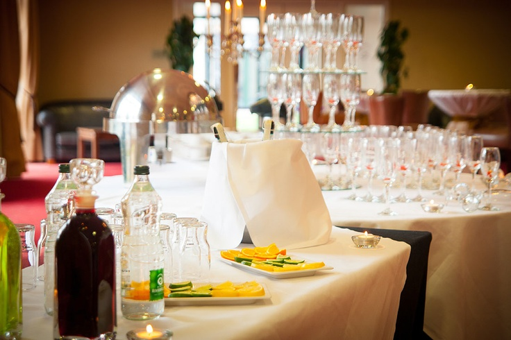 The perfect Drinks Reception on arrival to greet your guests #weddings #love #event #drinksreception #4*CharlevilleParkHotel