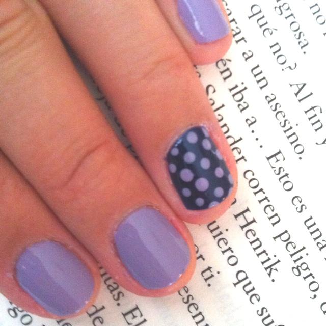 Puntitos!  Lila OPI Done out in deco + marino OPI Yoga-at get this blue!: Nails Nails, Lila Opi, Marino Opi, Opi Yoga At, Nails Ideas, Super Cute, Green / Azul Marino