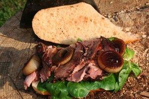 Roastbeef-Sandwich-mit-Balsamico-Schalotten--à-la-Gaumen-Knall