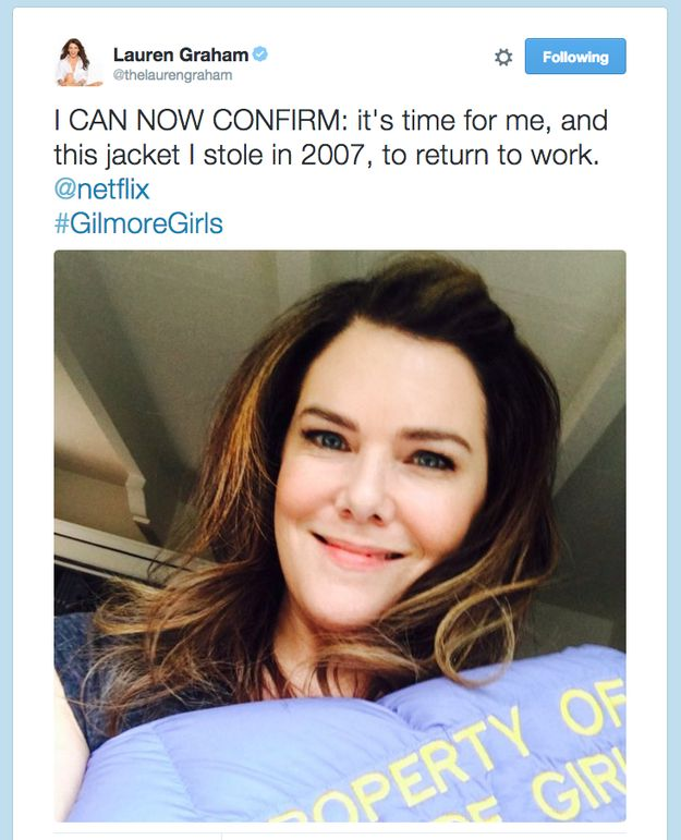 "Yeeeeesssssss!!!!! It was officially confirmed that there's going to be a Gilmore Girls revival! | Everyone Lost Their Minds About ""Gilmore Girls"" Officially Coming To Netflix"