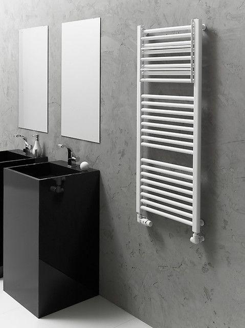 Połączenie czerni i bieli jest zawsze bezpieczne i efektowne. Świetnie prezentuje się nie tylko w łazienkach.