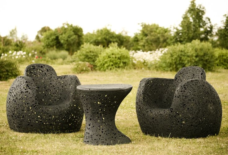 Meble do ogrodu oraz wnętrz. Fotele ogrodowe z kolekcji Manu King, wykonane zostały z lawy wulkanicznej, dzięki czemu są w 100% naturalne.