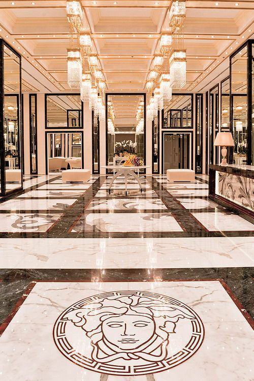 13 best images about versace on pinterest posts sofas for Lifestyle floor