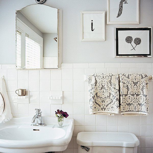 Having A White Bathroom Doesn T Mean You Have To Steer Clear Of Wall