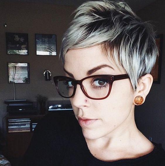 Schick und schön! 10 Frisuren in verschiedenen Farben, die perfekt zu brillentragenden Frauen passen! - Neue Frisur
