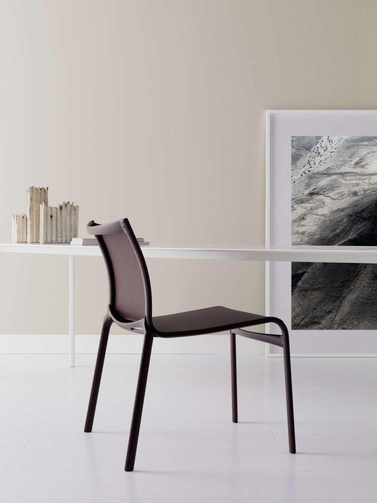 frame XL by Alberto Meda aubergine