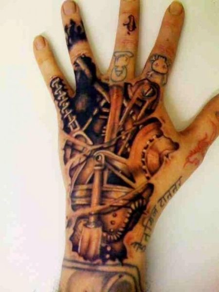 Awesome underneath the skin tattoo on the hand.