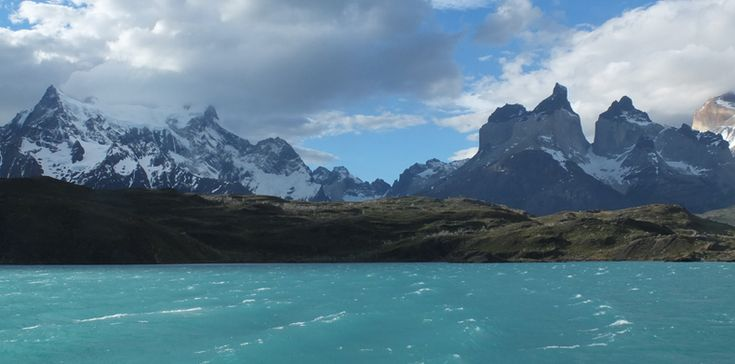 Ben jij een outdoor- en natuurliefhebber? Zet Patagonië dan direct op je bucketlist! Dit gebied in het zuiden van Chili en Argentinië is één van de mooiste outdoorgebieden ter wereld. Patagonië staat bekend om haar ruige natuur en bergen maar je vindt hier meer! Gletsjers, gekleurde meren, fjorden maar ook vlaktes en een prachtige kust.