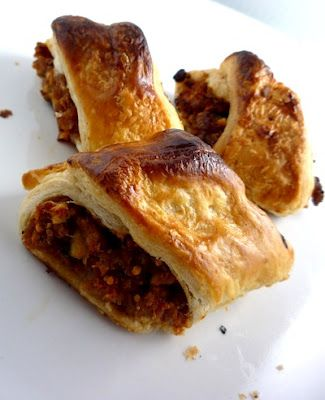 Sausage Rolls: Thermomix Recipes link: http://www.thermomix-recipes.com/2012/04/sausage-rolls-thermomix-recipe.html