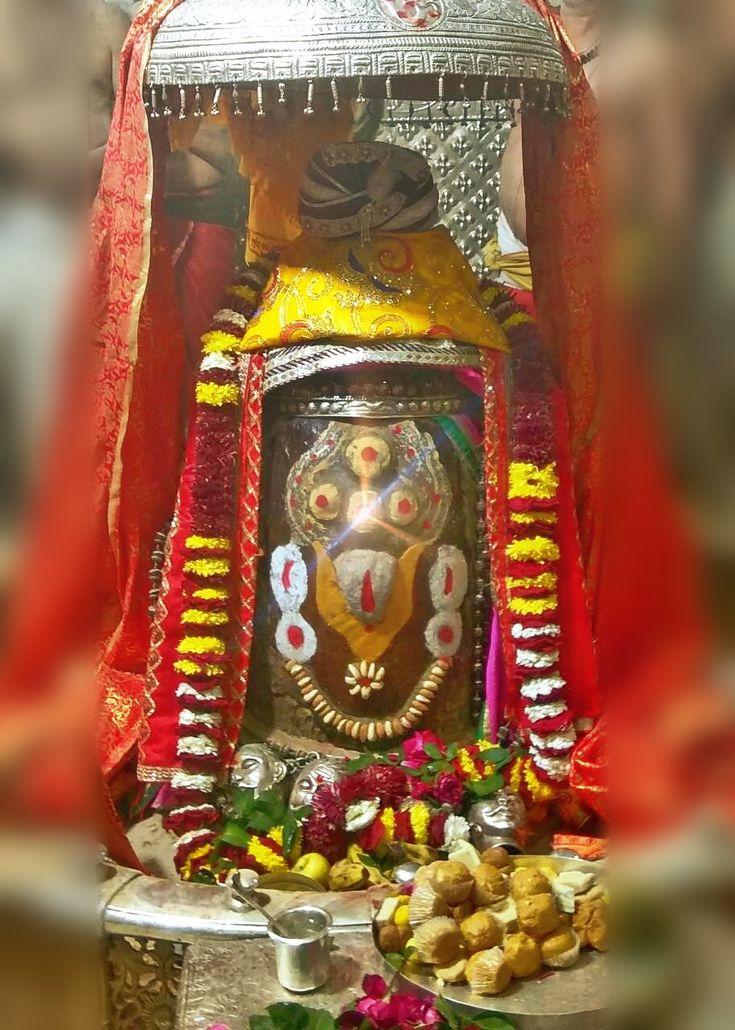 Dec. 29 - #Bhasma #Aarti pic of Shree #Mahakal #Ujjain  #god #shiv #shiva #shivay #bholenath #mahadev #mahakaleshwar #jyotirling #jaibholenath #jaimahakal #om #omnamahshivay #harharmahadev #ॐ #महाकाल #भस्म #आरती #शिव #महाकालेश्वर #उज्जैन #mptourism #madhyapradesh #tourism #travel #incredibleIndia
