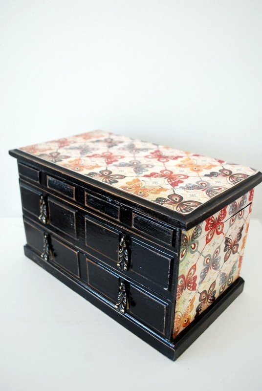 115 best ideas about jewelry box makeovers on pinterest for Old jewelry box makeover