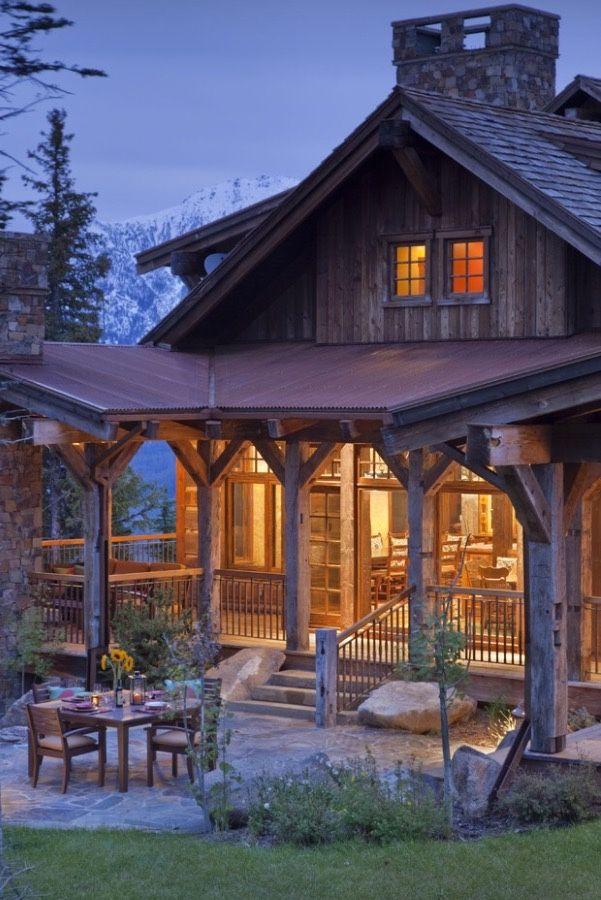 Oltre 25 fantastiche idee su case di legno piccole su for Piccoli piani di baite