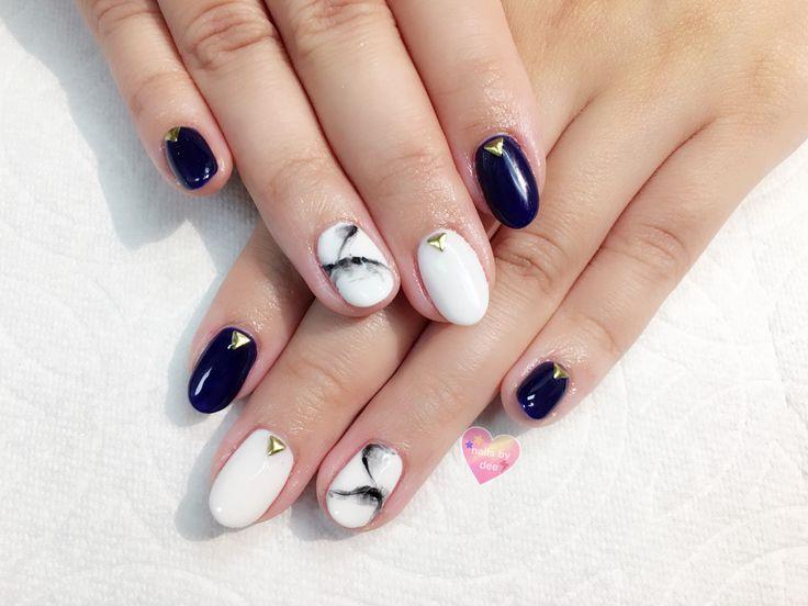fall nails navy blue gel nail