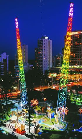 SlingShot - An Extreme Thrill Ride from Funtime. Definitely on my bucket list. Hope to ride one of these soon!