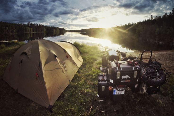 Acampamento na Finlândia                                                                                                                                                                                 Mais