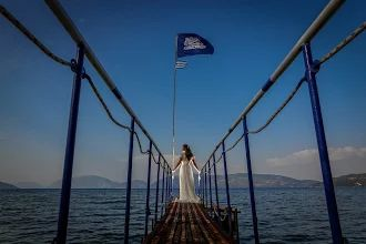 Absolutely stunning - Bride & photo http://www.kefaloniawedding.com/ #weddingphotos #weddiningreece #mythosweddings #kefalonia