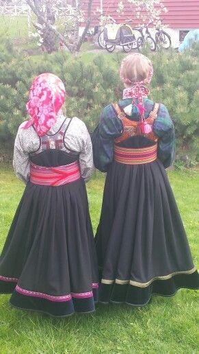 Sisters in Beltestakk from Telemark