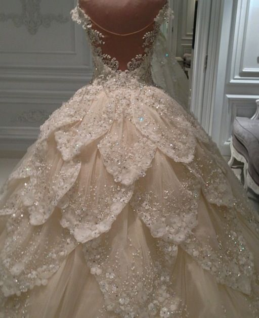 2015 Luxury Multilayers Bridal Wedding Dresses Ball Gowns Crystals Beads Custom