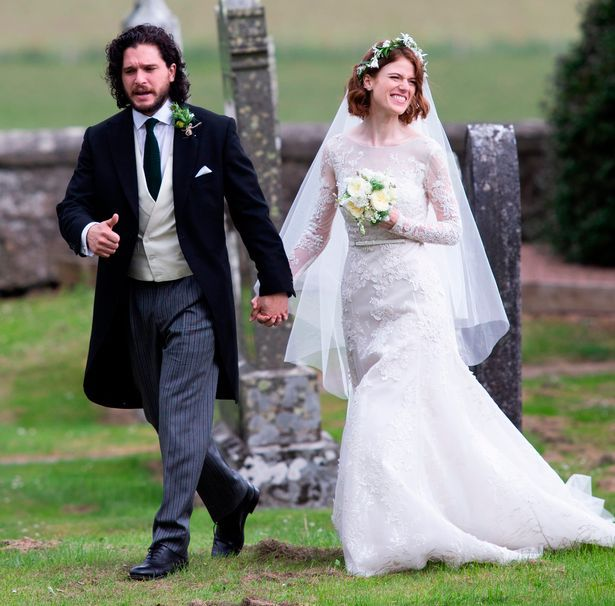 Pin By Lauren Smith On Game Of Thrones Rose Leslie Game Of Throne Actors Kit Harrington