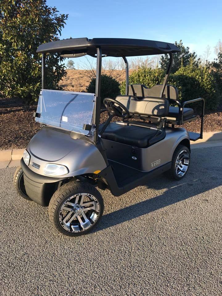 2018 E Z Go Freedom Rxv Elite Lithium 4 Passenger Custom Wheels And Tires Custom Golf Carts Golf Carts