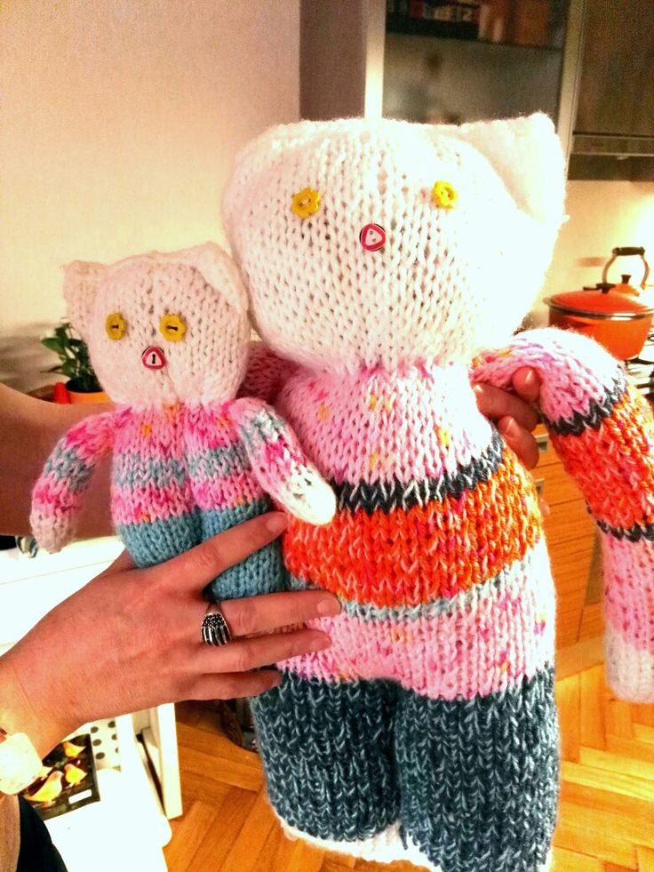 My new knitted achievements -cats for my sister and niece!😀