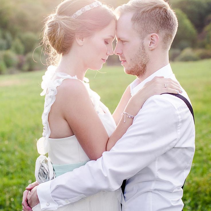 Unusual First Dance Songs For Quirky Couples Wedding Tips