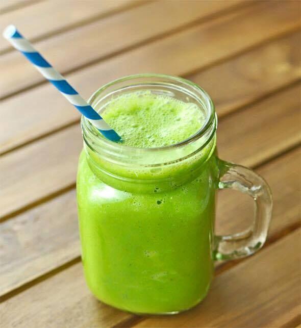 Günaydın! Diyetisyenimiz Hale Taşgın, metabolizma hızlandırıcı smoothie tarifiyle selamlıyor sizleri: 4 yk yoğurt, 1 yk çiğ badem, 1 avuç ıspanak, 2 dilim ananas, 1 çay bardağı yaban mersini, 2 çay bardağı su Blendırdan geçiriyoruz.  #keyiflidiyet #sağlıklıyaşam #diyetisyenhaletaşgın #estetikinternational  estetikinternational.com.tr