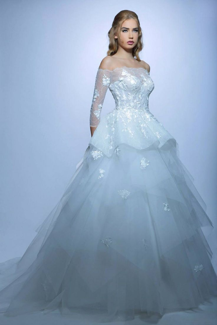 12 best 3arosa images on Pinterest   Homecoming dresses straps ...