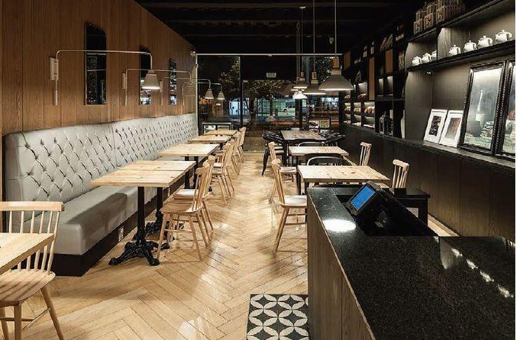 - PICAFLOR - El Studio Felipe Villaveces creó una nueva imagen para este restaurante de tradición en Bogotá. Esta sede de dos pisos es una mezcla de elementos clásicos con otros contemporáneos.  Picaflor Av. 19 No. 114A-26 Tel. 620 7330 Bogotá