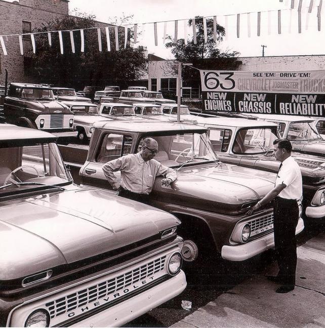 Vintage Pontiac Dealership: 447 Best Images About Vintage Car Dealerships On Pinterest