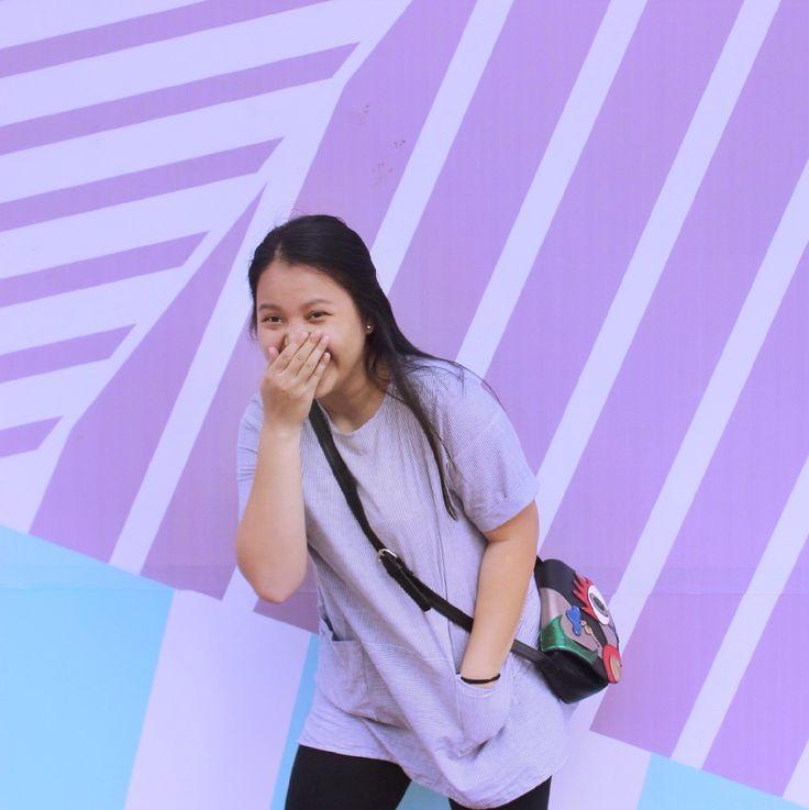 1/2 Javanese 1/2 Chinese •••  #typicalofasiangirl #asiangirl #colorfulbackground #laugh #lol #marcjacobs #stripeshirt #legging #fatgirl #blackbag #happilyeverafter