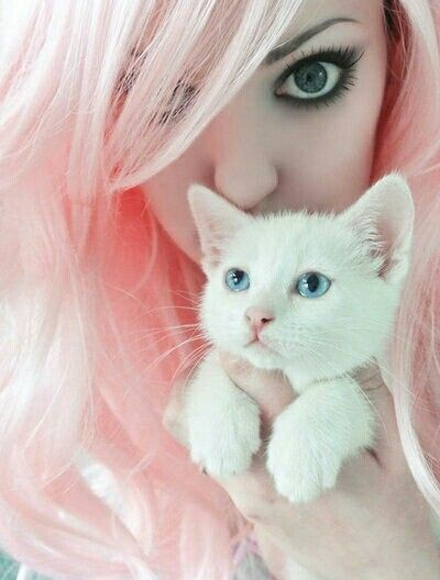 Pinned it for the kitten but the hair is lovely