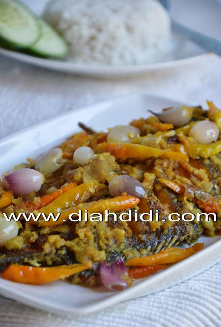 Diah Didi's Kitchen: Gurame Acar Kuning Pedas