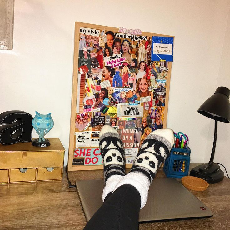When you act like youre a CEO of your million dollar company and you just became Madam  president of the USA. Okay jk but you like my panda socks  #desk #starwars #pandasocks #ahsokatano #bosslady