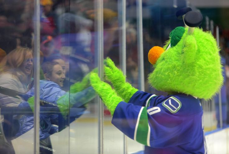 Tina Russell / Observer-Dispatch Utica Comets fans interact with Audie in-between periods during AHL hockey at the Utica Memorial Auditorium Thursday, Jan. 1, 2015.  Read more: http://www.uticaod.com/apps/pbcs.dll/gallery?Site=NY&Date=20150101&Category=PHOTOGALLERY&ArtNo=101009998&Ref=PH&taxoid=&refresh=true#ixzz3NdeDI7Pw