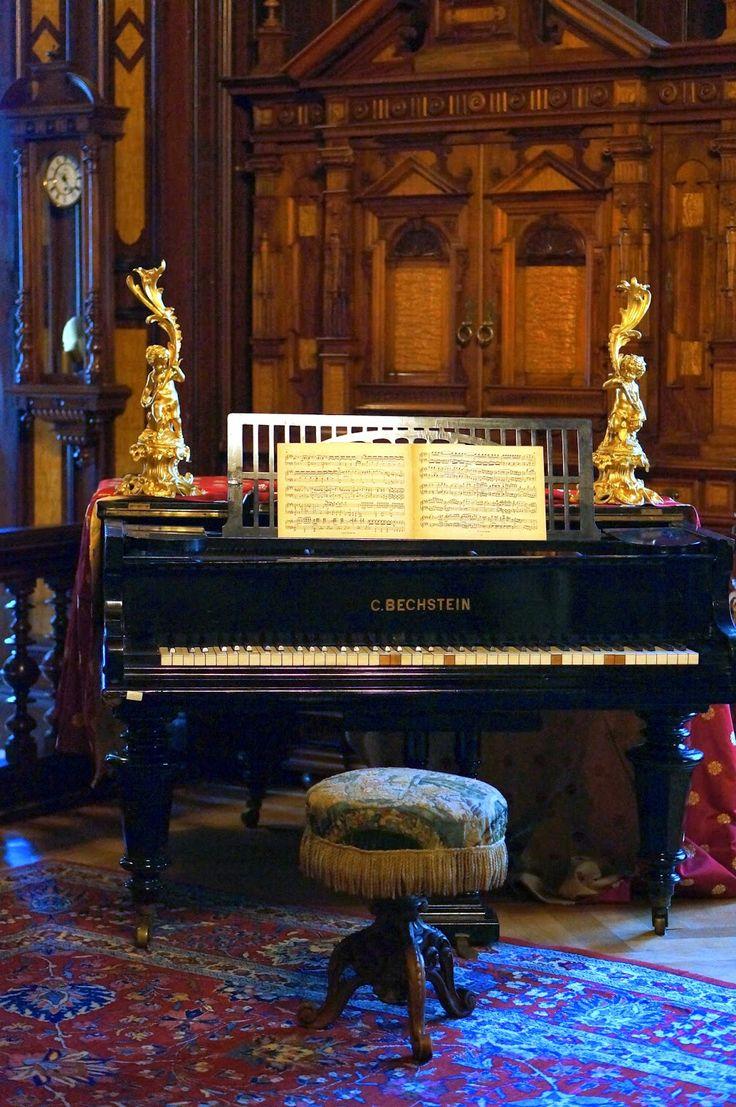 bucegi mountains,king carol I,peles castle,sinai a,piano