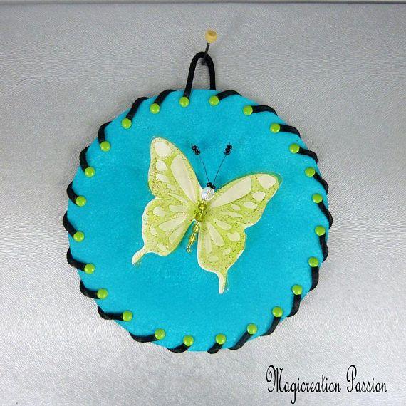 tableau turquoise papillon vert anis 3 D double ailes soie et transparent sur CD recyclé  décoration chambre enfant, bébé