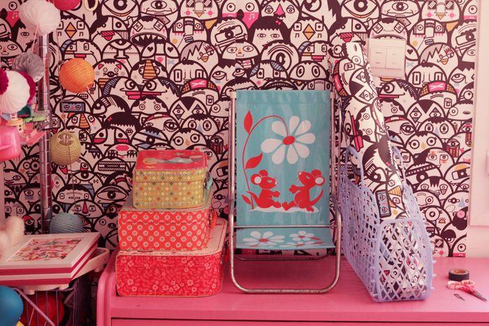 diy poser du papier peint sans colle blog deco and diy and crafts. Black Bedroom Furniture Sets. Home Design Ideas