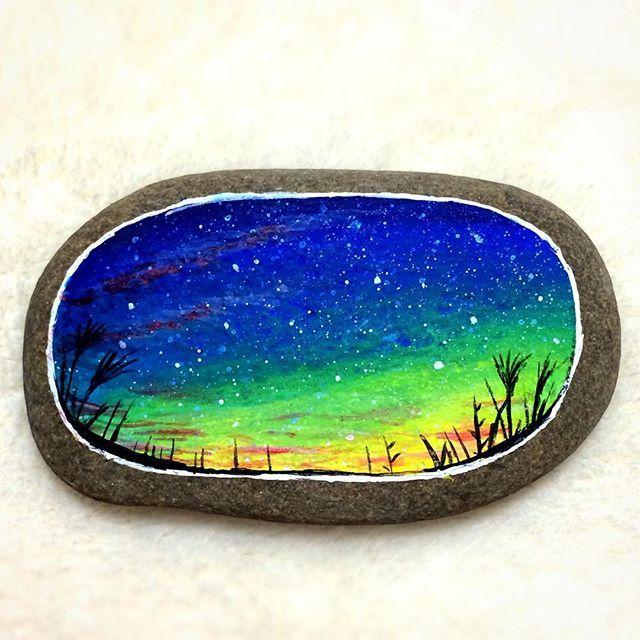 Stone painting - End of autumn - #秋 #秋空 #星空 #夜空 #星景 #夕暮れ #空 #ススキ #石 #小石 #石ころ #石ころアート #ストーンアート #絵 #絵画 #イラスト #アート #アクリル画 #アクリル絵の具 #アクリルガッシュ #ペイント #ハンドメイド #autumn #sky #painting #acrylicpainting #stoneart #stonepainting #paintedstone #rockart
