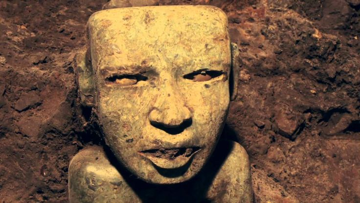 A video slideshow of the tunnel under the Temple of the Plumed Serpent at Teotihuacan, and some of its finds that were made.