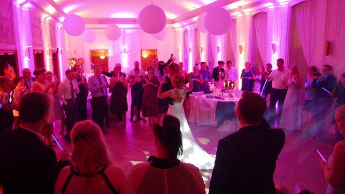 Dj Hochzeit Landhaus Hubertus Berlin Uplighting Wallwasher Wedding Hochzeit Beleuchtung Hochzeit Dj