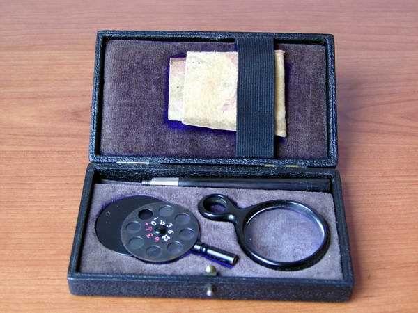 Oftalmoscopio di  Loring 1870